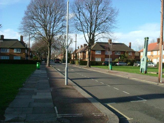 Yew Tree Road, W12