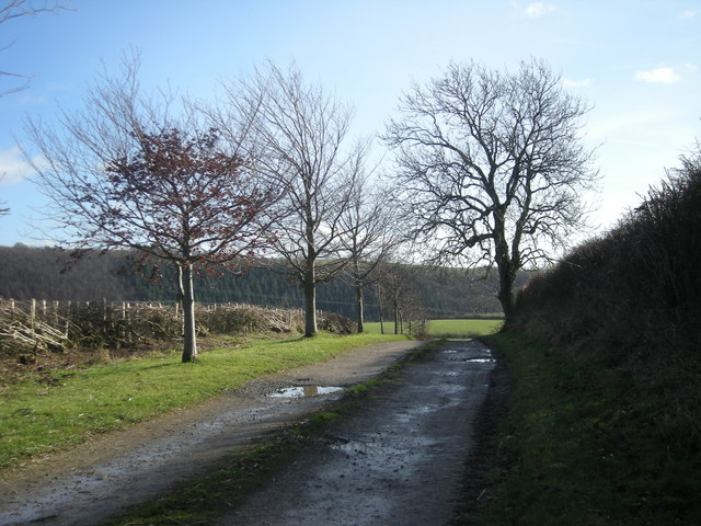 Footpath to Mainstone