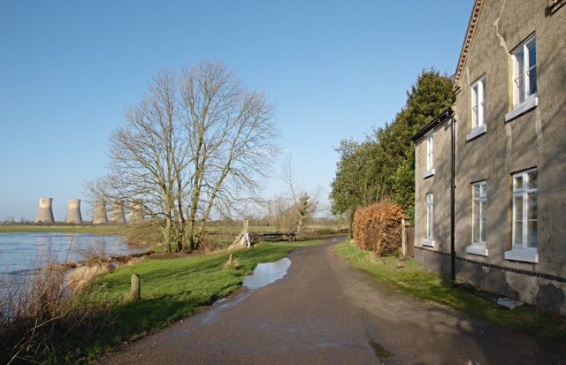 Riverside dwelling at Twyford