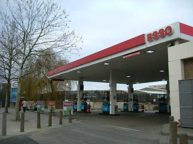 Esso garage - Wood Lane, W12