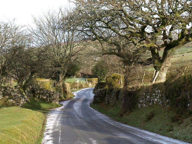 Lane approaching Rowden Cross
