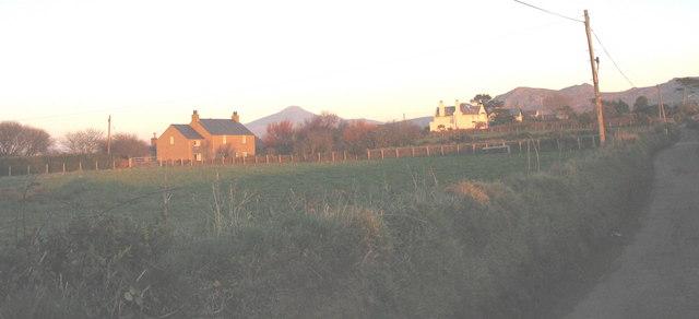 Pwll Mawr and Pen-yr Allt, Lon Penrallt