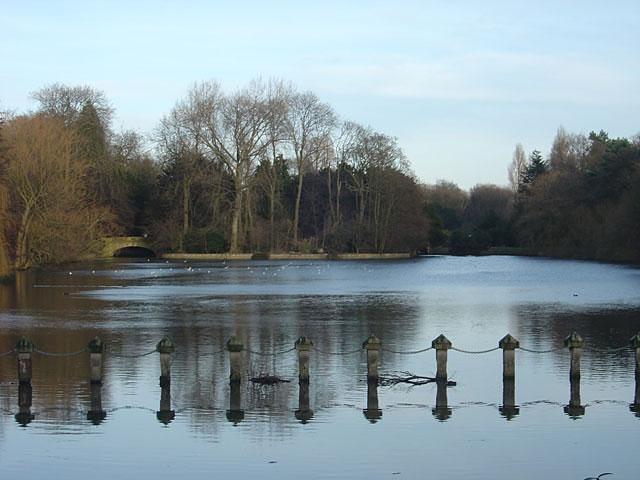 Highfields Park lake