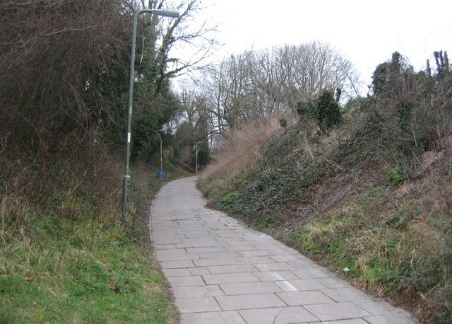 Looking up Green Way towards the Winklebury Centre
