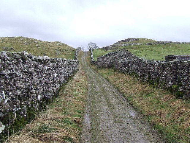 Walled Track towards Catrigg Force