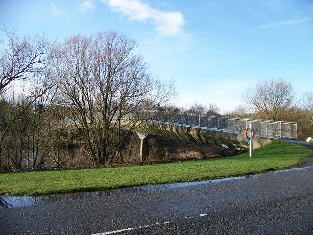 Foot bridge over the Clyde