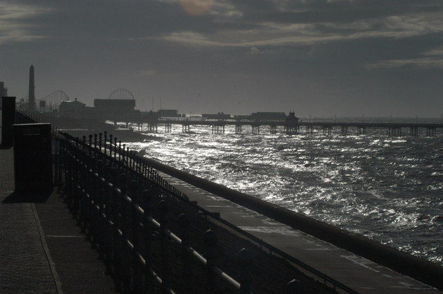 Looking south to North pier