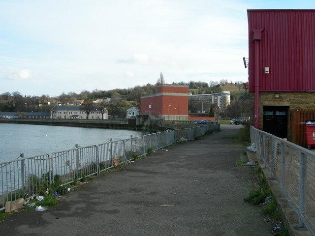 Riverside Path, Chatham