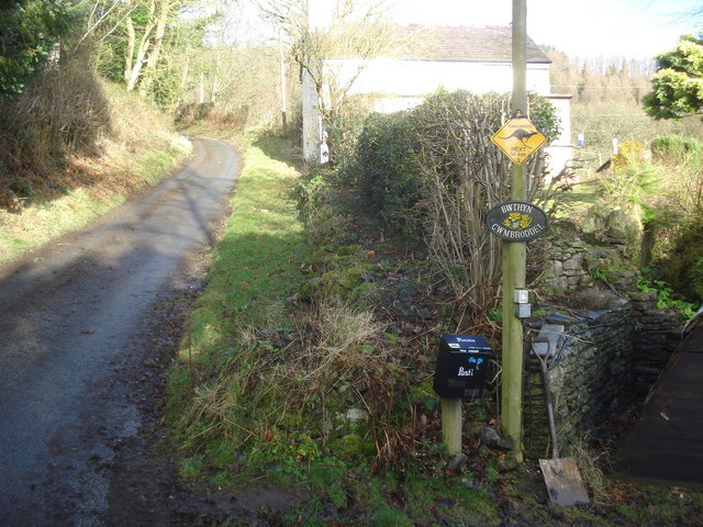 Warning sign on the Mutton Dingle Lane