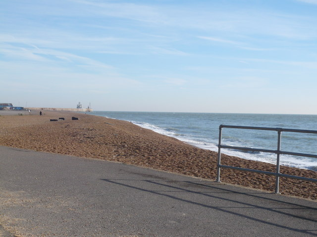 Looking towards the harbour from Lower Sandgate Road