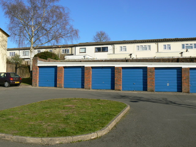 Garages off Kenilworth Road