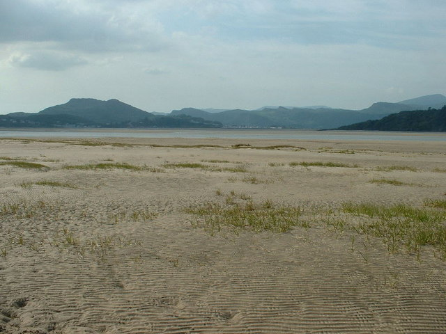 Traeth Bach sands, looking north west