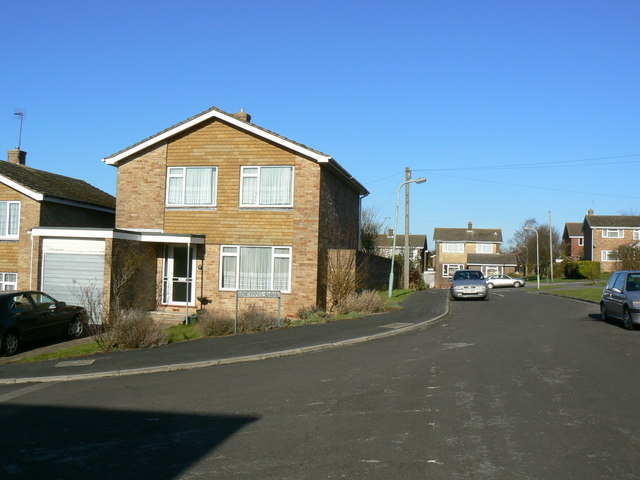 Looking north along Pendennis Close