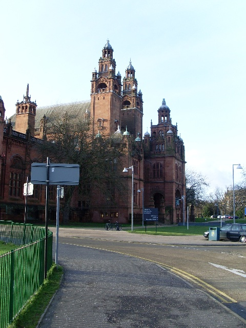 Main entrance to Kelvingrove Museum and Art Gallery