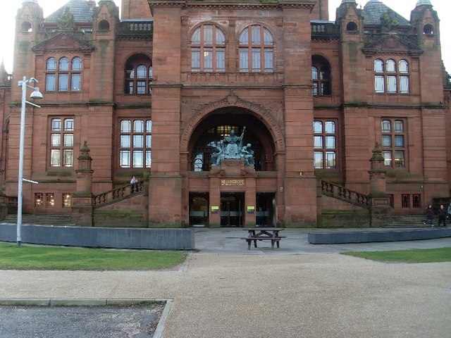 View of main entrance to Kelvingrove Art Gallery