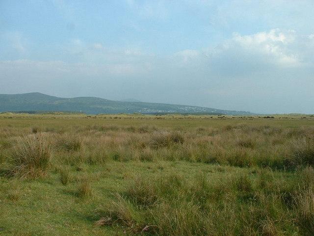 Morfa Harlech, looking inland towards Harlech