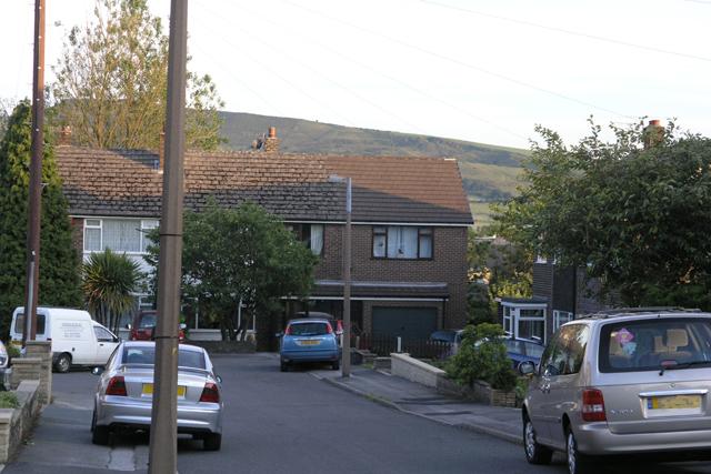 Littlebrook Close, Hadfield
