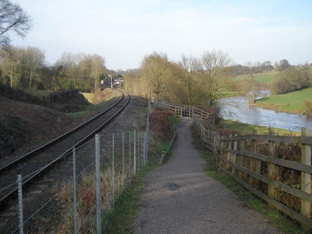 SVR & the River Severn at Hampton Loade