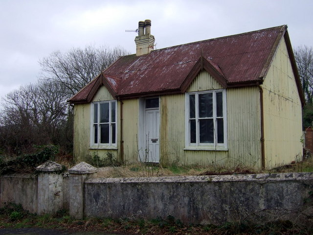 Little tin house