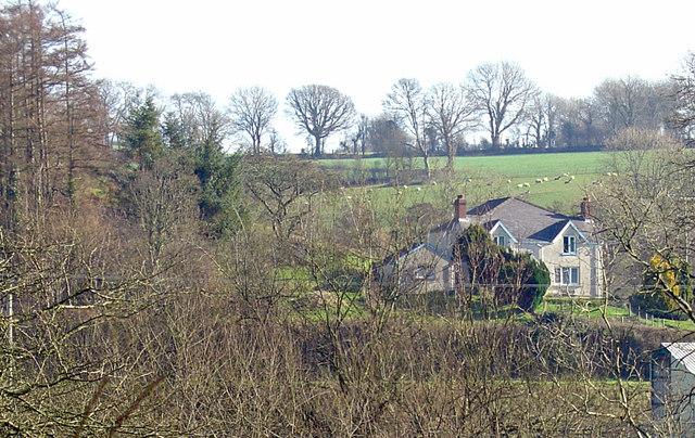 Tanbanc Villa, Llandygwydd