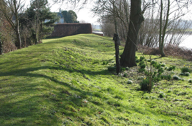 Flood defences along the Severn