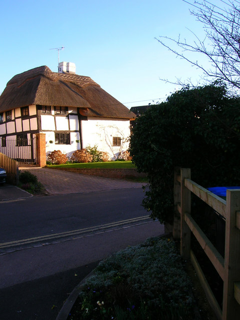 The Old Thatch, Lodge Lane