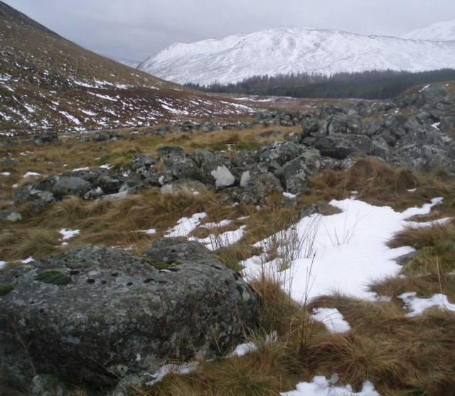 Ruined walls by the Glas Burn