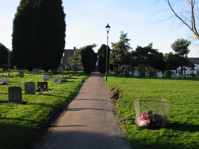 Path through Boatman's Hill cemetery