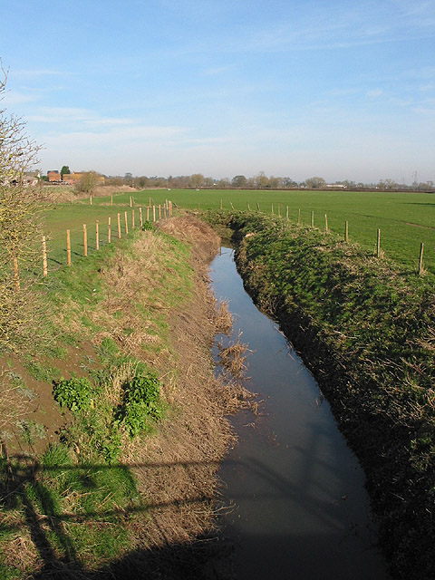 Deep ditch near Highcross Farm