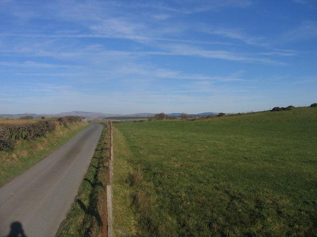 Ffordd Wledig ger Lledrod / Country Lane near Lledrod