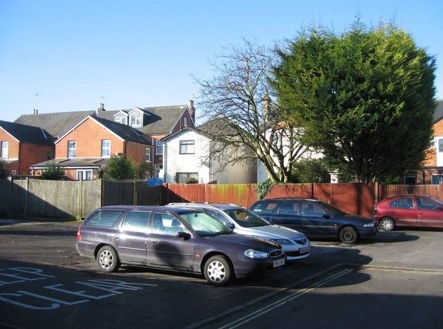 Residents parking behind Essex Road