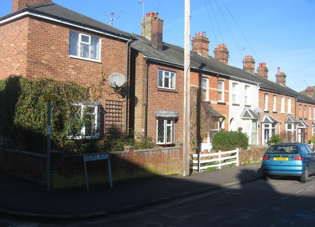 Solbys Road meets Rochford Road