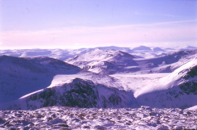 South from Stob Coire an t-Sneachda