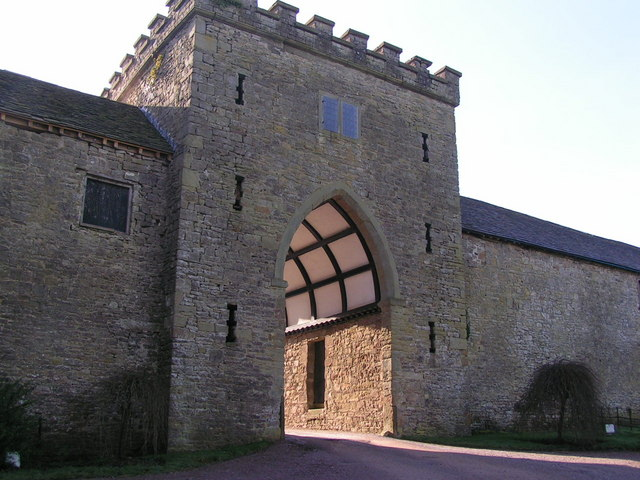 Gateway to Clearwell Castle