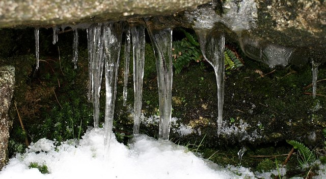 Icicles on tor, High Willhays