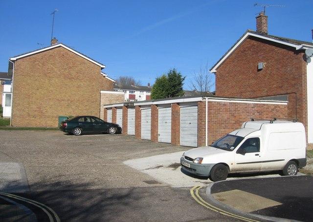 Hamelyn Close garages