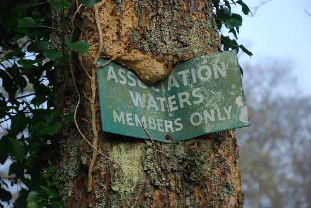 Dyfroedd y Gymdeithas - Association Waters