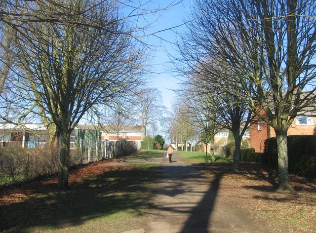 Footpath which continues at the top end of Kings Furlong Drive