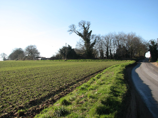 The B1145 past Brick Kiln Farm