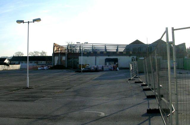 Further demolition at Tradex - New Street, Farsley