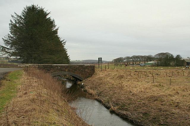 Bridge across the Monquhitter Burn