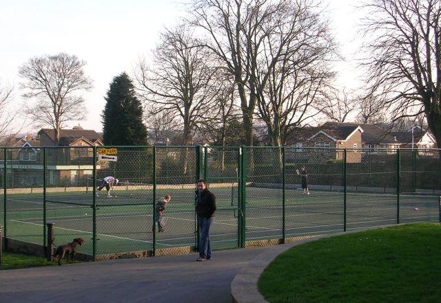 West Royd Park Tennis Courts - New Street, Farsley