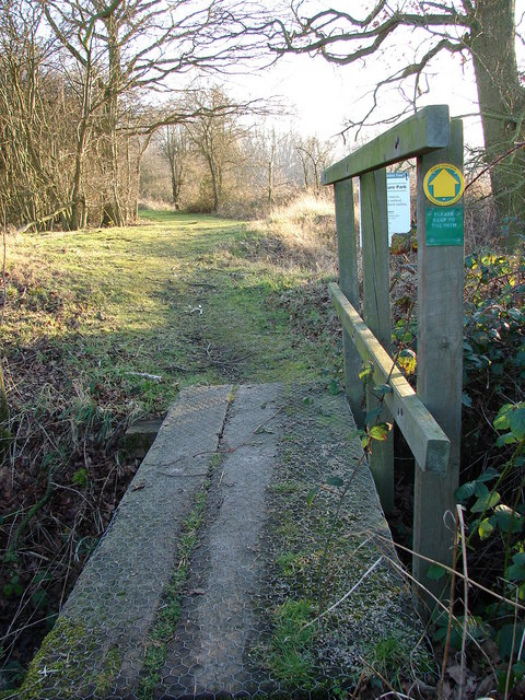 Way in to Whisby Nature Park
