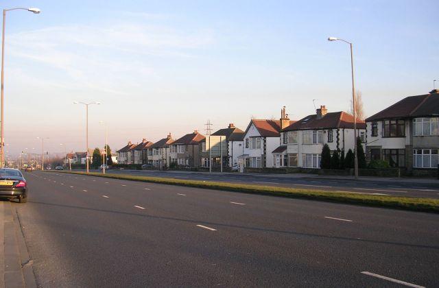 Bradford Road - looking towards Dawson's Corner