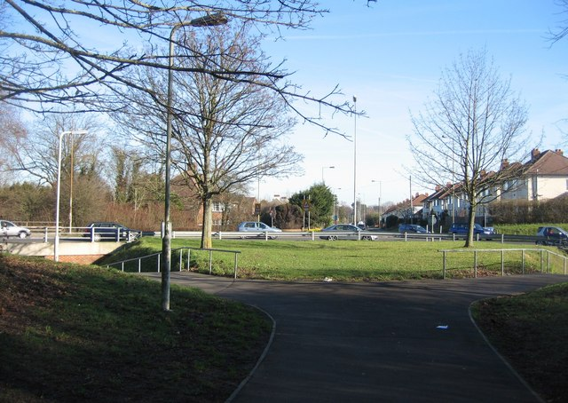 Winchester Road roundabout - NE view