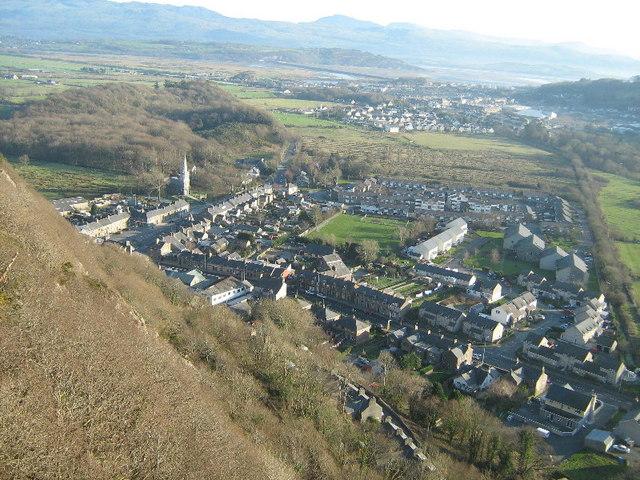 Tremadog village, viewed from Craig-y-Castell