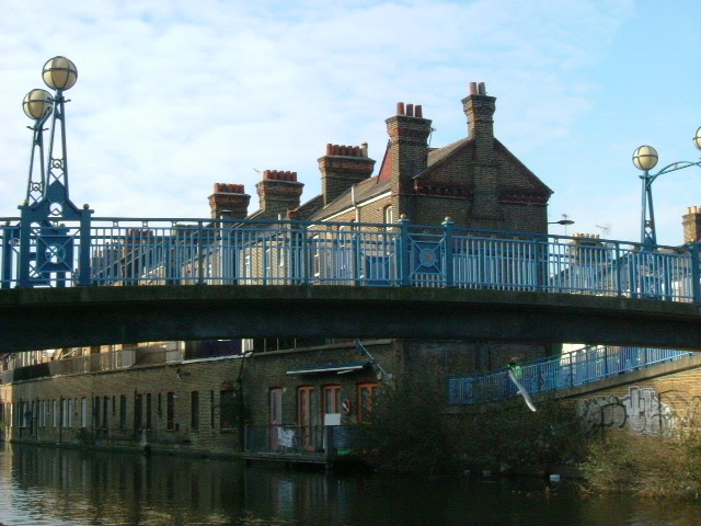 Wedlake Street footbridge