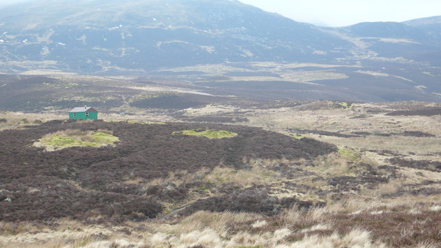 Hut on slopes of Meall Tairneachan