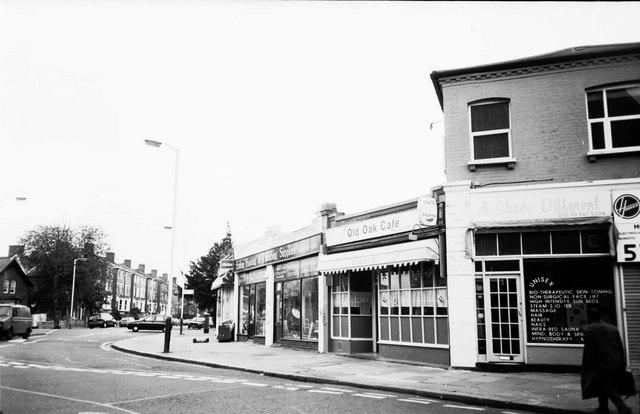 Mattock Lane, Shops on Churchfield Road