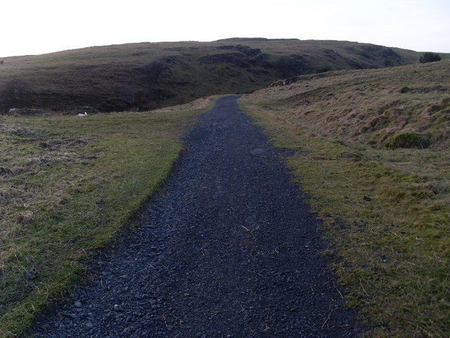 Bend in path to Greenside Reservoir
